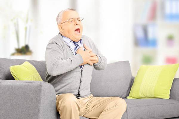 Первая помощь при аритмии в домашних условиях: алгоритм действий