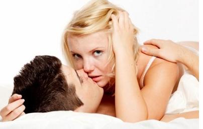 Можно ли заниматься сексом при молочнице: как передается половым путем, опасна ли мастурбация, поцелуи партнера, кровь во время полового акта