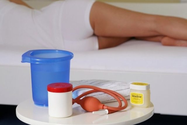 Спринцевание при цистите в домашних условиях: чем и как проводить процедуру, ромашка, сода, лавровый лист