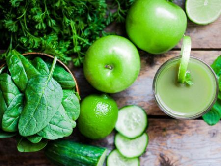 Моча зеленого цвета - причины такого явления и методы лечения