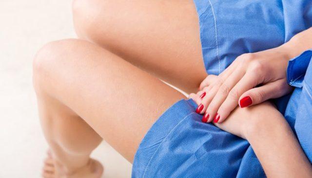 Белые хлопья в моче во время беременности: причины, чем это опасно и что делать