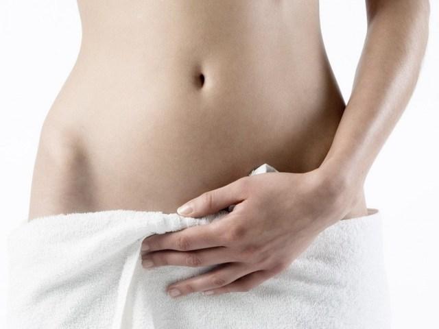 Боли в области уретры у женщин — причины, чем это опасно и что делать