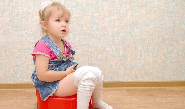 Если ребенок часто писает: что делать и как вылечить