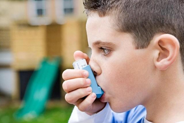 Причины аллергического кашля у ребенка - симптомы и лечение?