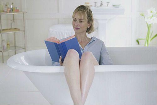 Ванночки при цистите у женщин в домашних условиях: с марганцовкой, содой, ромашкой и др.