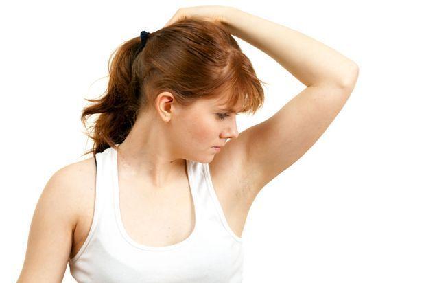 Неприятный сильный запах мочи у женщин: причины, чем это опасно и что делать