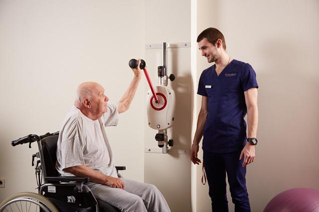 Группа инвалидности после инсульта: какую группу дают и как оформить пенсионеру