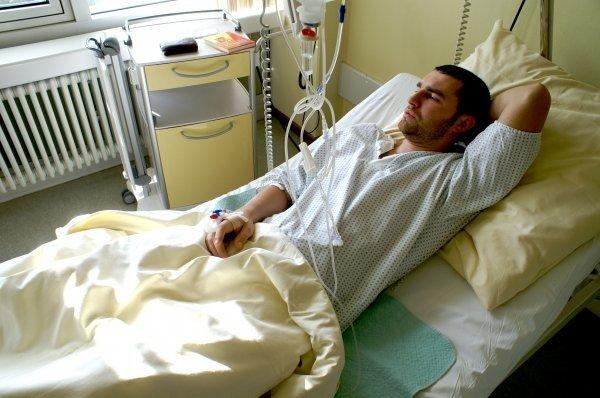 Рак яичка: симптомы у мужчин, лечение в Германии, первые признаки заболевания, какой прогноз дают врачи, фотографии, эмбриональный вид, что говорят больные на форуме