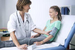 Низкое давление у ребенка и подростка: причины и что делать?